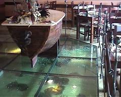 ריצפת מים במסעדת הזקן והים בחיפה