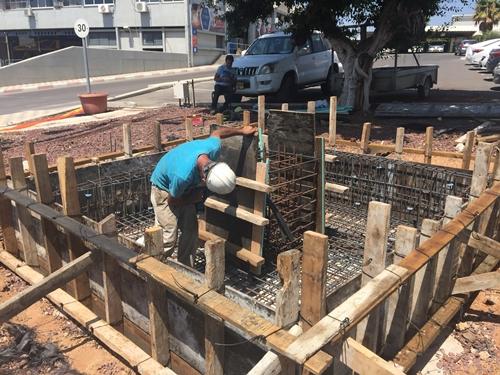 הנחת תשתית ליציקת הבטון והכנת בסיס המגוף