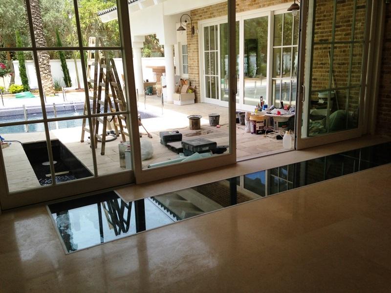 תעלת מים חוץ ופנים הבית
