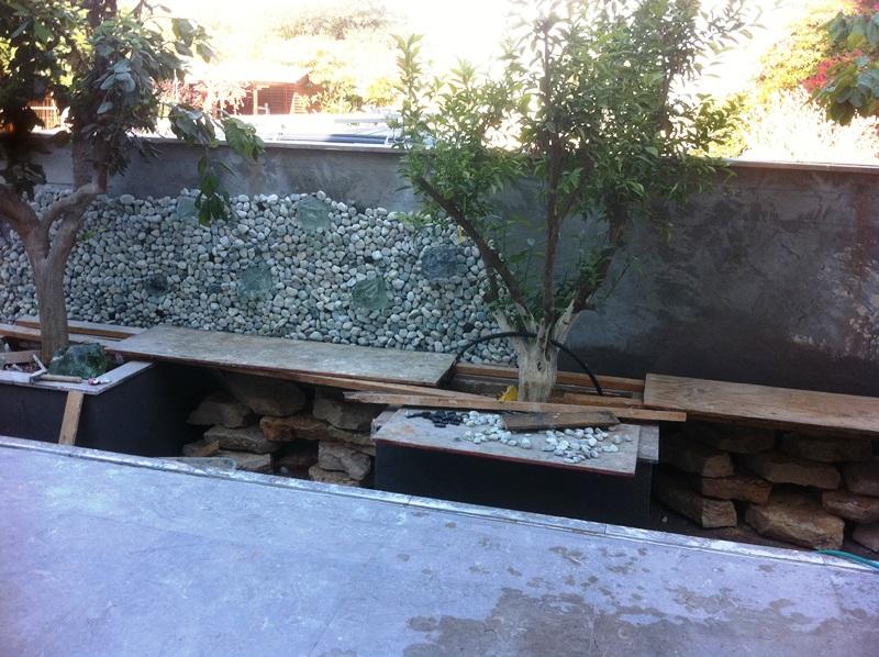 בניית קיר המים